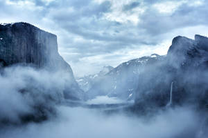 Dusk at Tunnel View by WNG3000