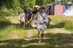 gillet: knechts walking by Krigshjartan
