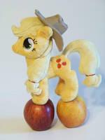 Mini Applejack by eebharas