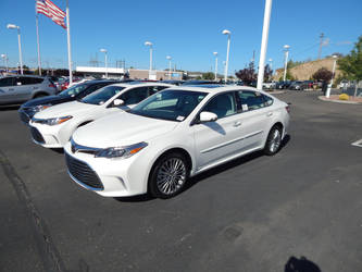 2018 Toyota Avalon Limited (XX40) by LiebeLiveDeVille