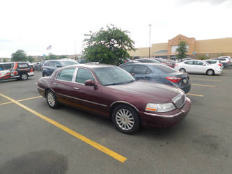 2003 Lincoln Town Car Executive by LiebeLiveDeVille