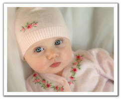 Baby-4 by pixelzeesh