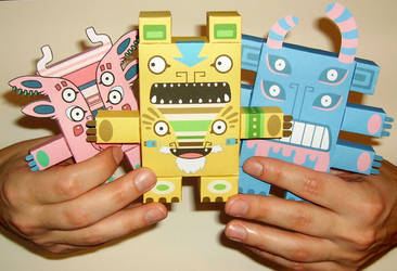 Creaturekebab Paper Toys by creaturekebab