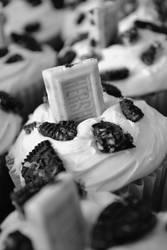 Cookies N Cream Cupcakes by jeanbeanxoxo