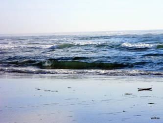Ocean Waves by velikse