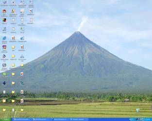 Mayon Volcano by samshil