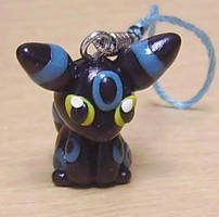 shiny umbreon by Hibikitikibi