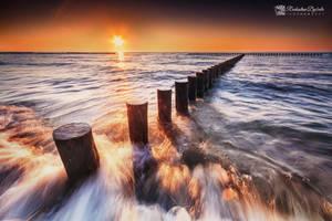 Golden sea by Dybcio