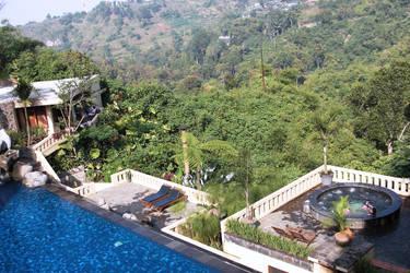 wonderful pool by ciuyanto