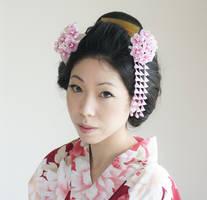 Sakura kanzashi (cherry blossom hair ornaments) by japanesesilkflowers