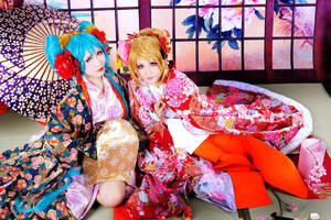 Miku and Rin cosplay by Teicosplayer