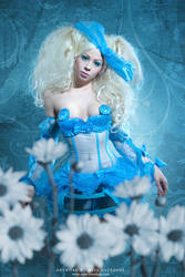 The portrait: Alice by Ophelia-Overdose