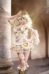 Golden bliss by Ophelia-Overdose