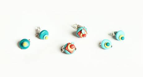 Cupcake Earrings by designandberries