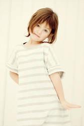 Plain white by Heleneee