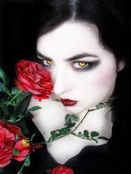 Vampiress by kitsu13