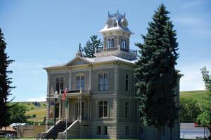 Columbia County (Washington) Court House by quintmckown