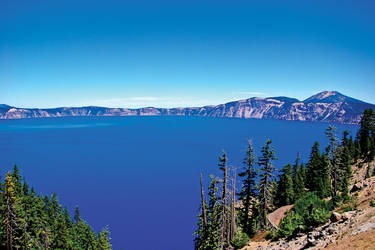 Crater Lake by quintmckown