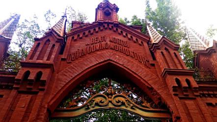 Baikove Cemetery Gates by evilcrowbar