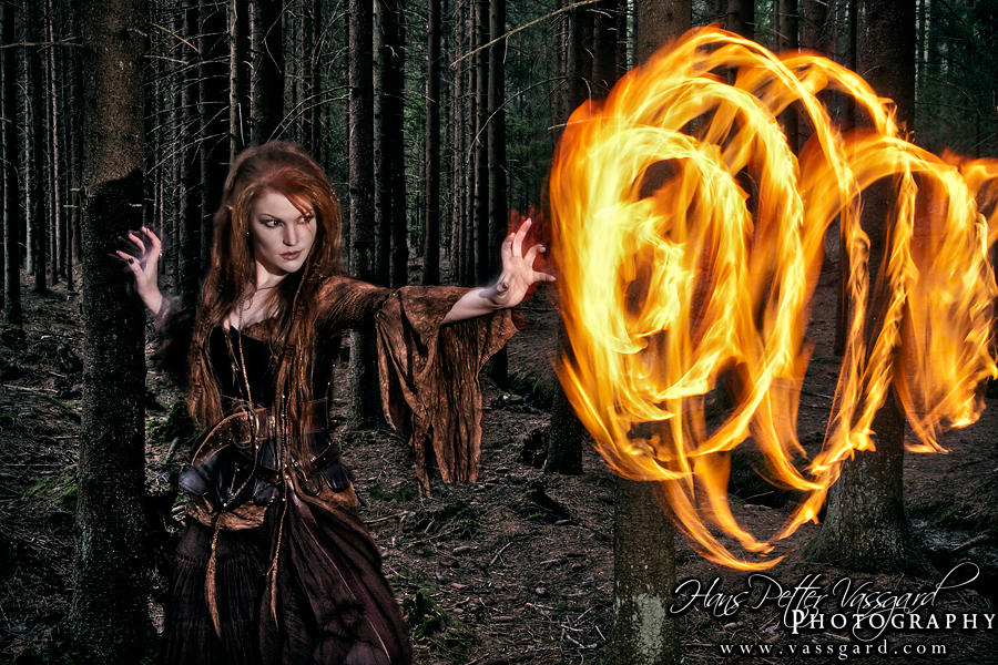 Sorceress VII by TatharielCreations