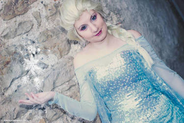 Ice Queen by lilie-morhiril