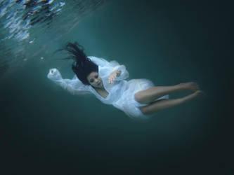 Underwater 10 by bumimanusiastock
