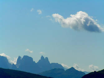 A cloud in the blue by edelweiss26