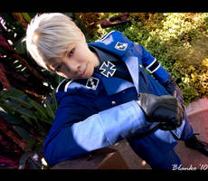 APH: Bow down and praise me by Pisaracosplay