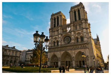 Notre Dame by klapouch