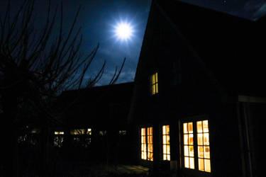 Blue Moon by ChillArea