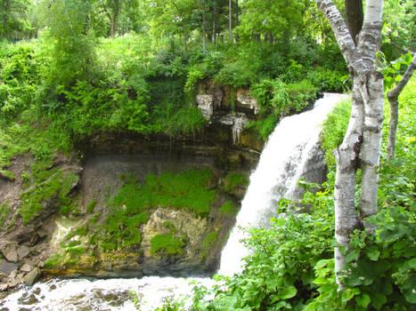Minnehaha Falls by fablehill