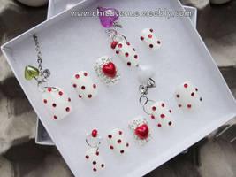 VALENTINE LOVE HEART 3D NAILS by jadelushdesigns