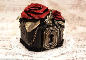 Rosarium Ring Box 1 by Necrosarium