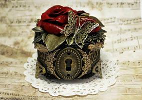 Rosarium Ring Box 5 by Necrosarium