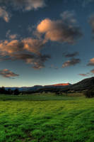 Kangaroo_Valley by RichardjJones
