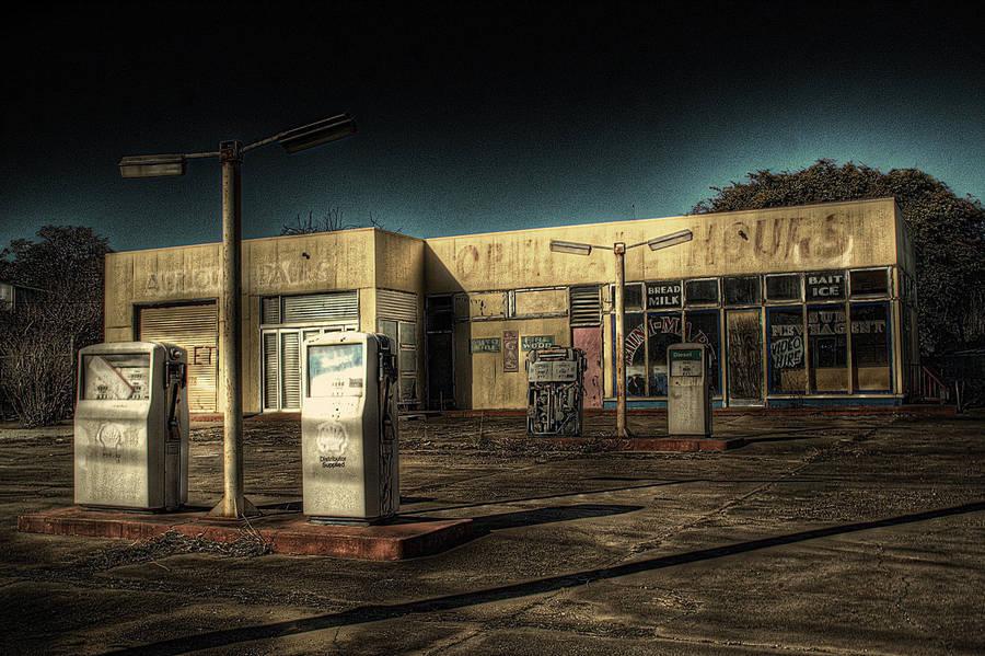 Marulan_petrol1 by RichardjJones