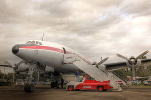 Lockheed Super Constellation by RichardjJones