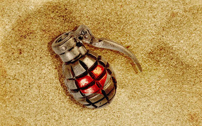 Grenade by Photshopmaniac