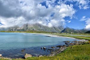 1316 Mountains in Lofoten by RealMantis