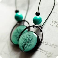 tree crown earrings by BeautySpotCrafts