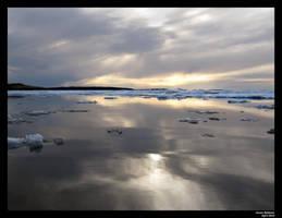 Freezing reflection by KaniJonas