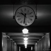 Monochrome Time by LeWelsch