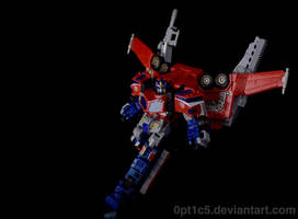 TF Cybertron Optimus Prime by 0PT1C5