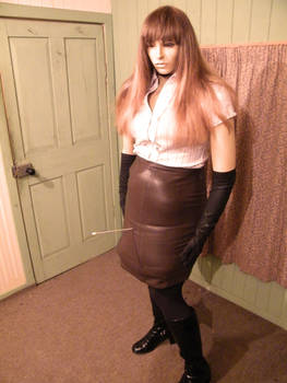 Hissing leather skirt by puncturegown