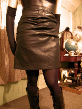 popped leather skirt by puncturegown