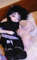 Sleepy head by Kutiecake