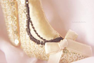 Golden Slipper by SadisticButterfly