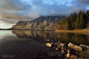 Sunlit mountains by m-eralp