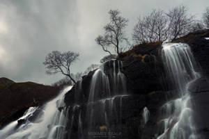 Falls of Lofoten by m-eralp