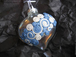 Ornaments 2009 - White + Blue by Ryumia